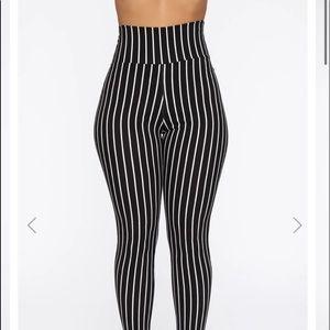 Stretchy Pin Skinny pants